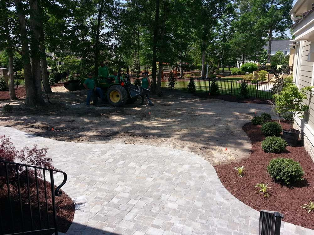 Full Landscaping - Michael's Unique Landscaping - Greenville, NC